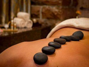 Massage pierre chaude
