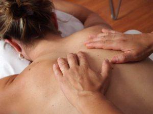 Qu'est-ce qu'un massage en couple et à quoi s'attendre ?