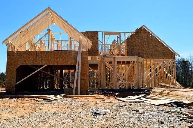 Pourquoi faire appel à un professionnel pour une construction de maison en bois ?